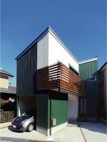 鋭角な三角形の家
