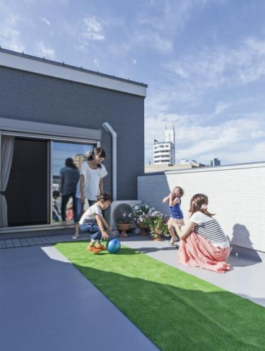 開放的な暮らしを愉しむ狭小の家